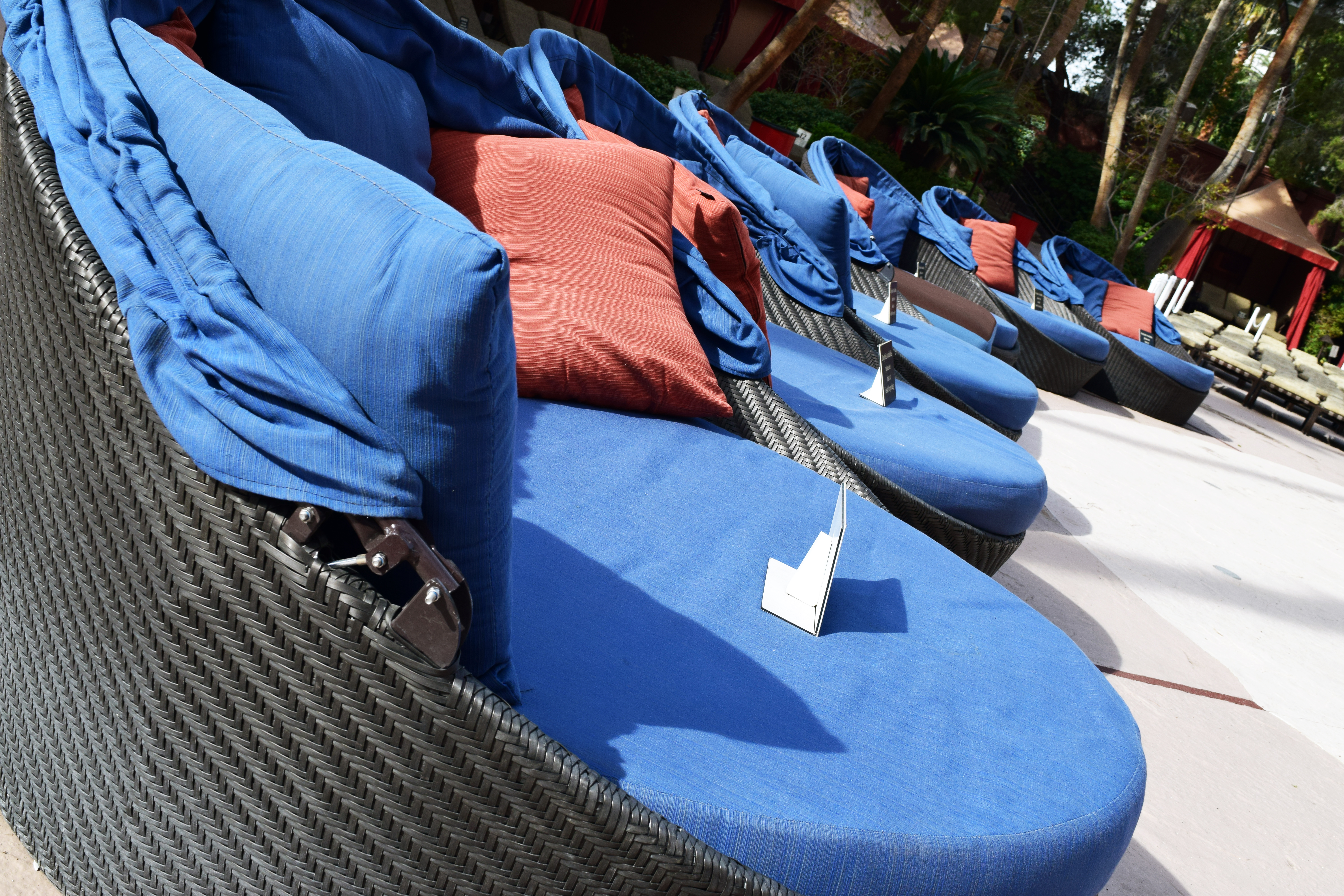 Day Beds U0026 Luxury Lounge Chairs